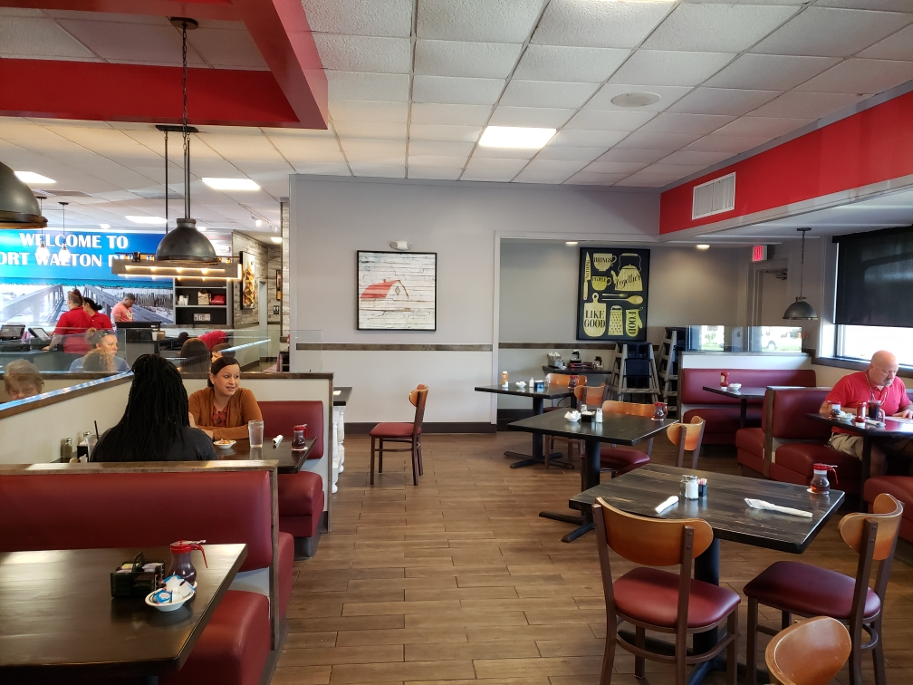 Happy Customers At ChickenNTheEgg | Fort Walton Beach